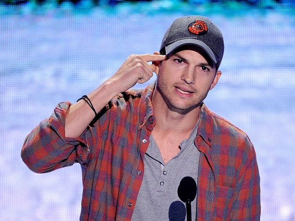 UNIVERSAL CITY, CA - AUGUST 11:  Actor Ashton Kutcher speaks onstage at the Teen Choice Awards 2013 at the Gibson Amphitheatre on August 11, 2013 in Universal City, California.  (Photo by Kevin Winter/Getty Images)